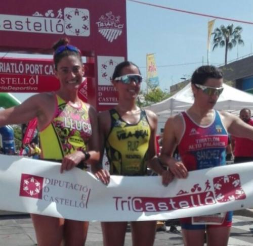 Sonia Ruiz y Roger Mirabet vencen en el I Triatló Port de Castelló
