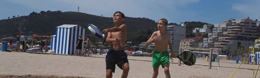 Oropesa inaugura el Circuito Provincial de Tenis Playa