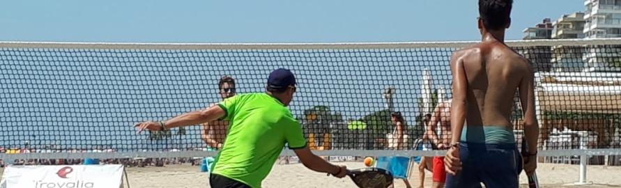 El Circuito provincial de beach tenis pasa el ecuador con buena nota