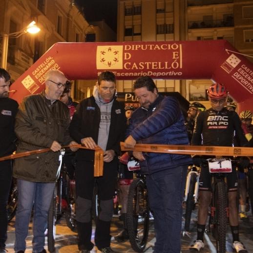Moliner da la salida a la primera etapa de la Mediterranean Xtrem en la plaza Las Aulas